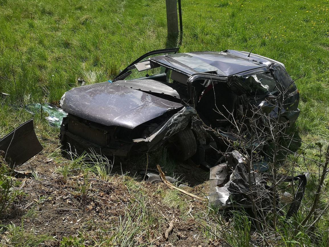 Kierowca volkswagena golfa trafił do szpitala - wypadek w powiecie kościerskim