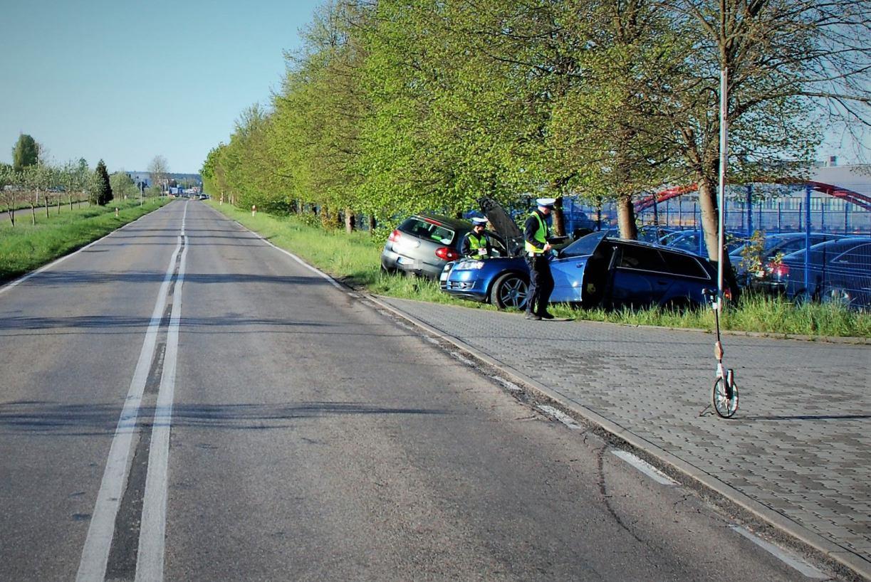 Groźny wypadek drogowy w gminie Bytów. Dwie osoby trafiły do szpitala