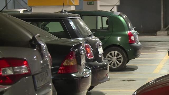 Polacy ruszyli na zakupy i nie przestrzegają zasad. Parkowanie na co drugim miejscu stało się fikcją