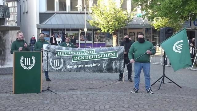 Neonaziści protestowali na zachodzie Niemiec przeciwko muzułmańskim modlitwom z głośników
