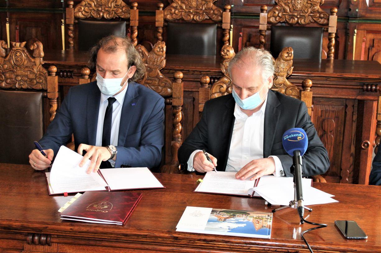 Umowa na dofinansowanie przebudowy drogi Łąg - Złe Mięso w gminie Czersk podpisana