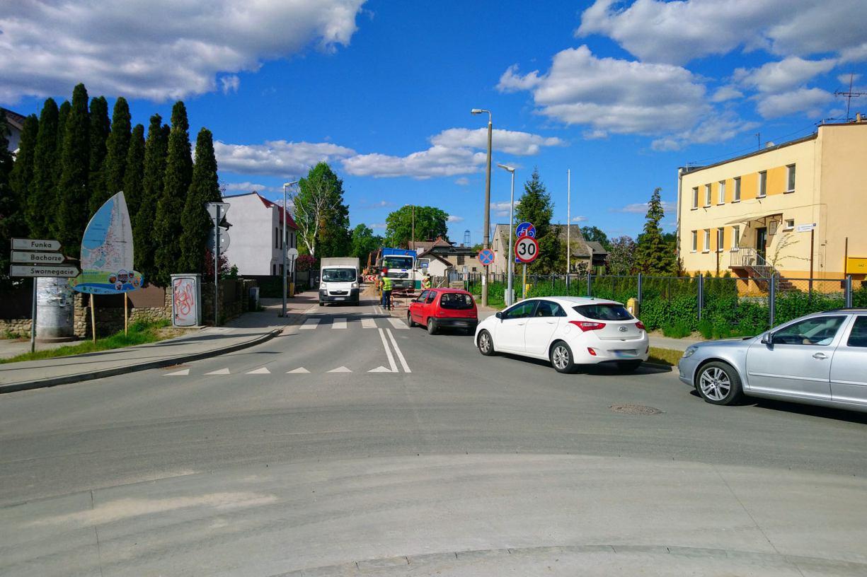 Utrudnienia dla kierowców w Charzykowach, w gminie Chojnice