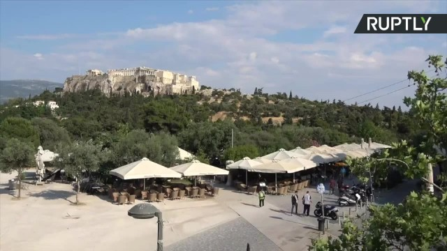 Bary i restauracje w Grecji ponownie otwarte po 10 tygodniach. 15 czerwca kraj otworzy się dla turystów