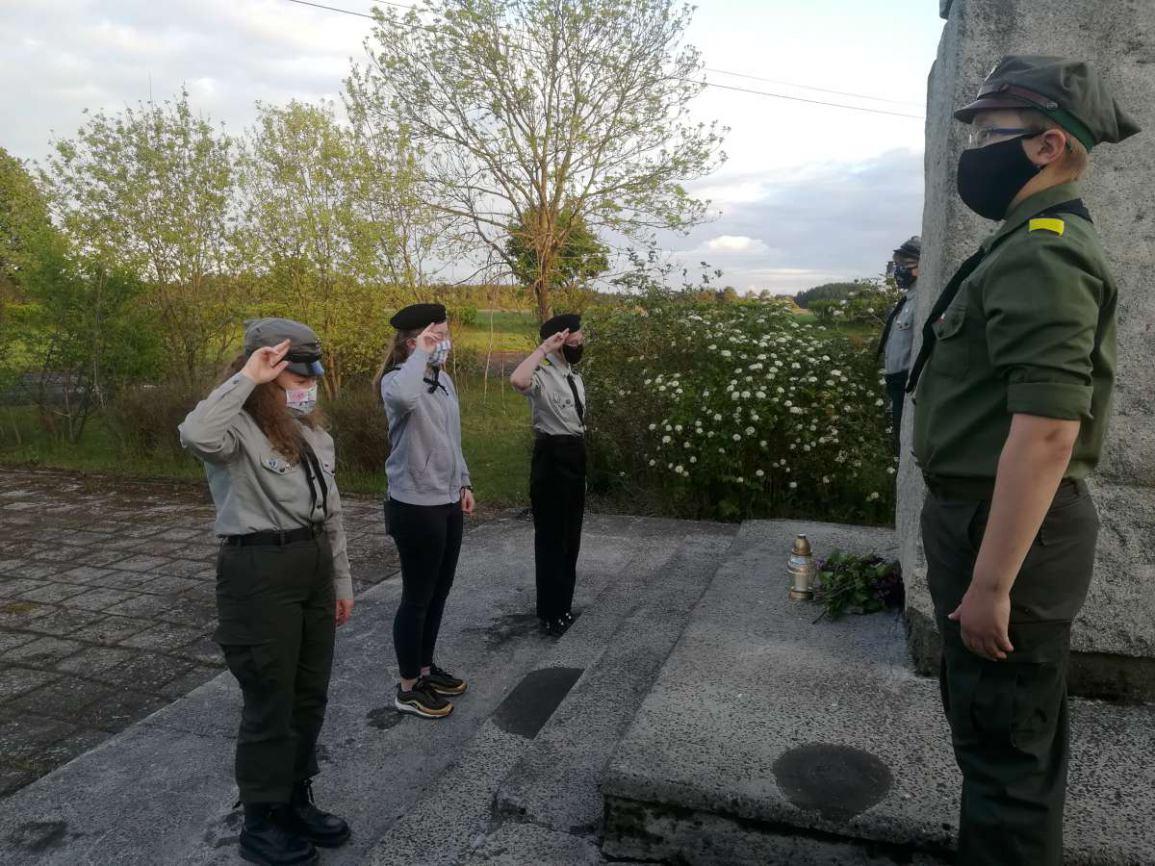 Harcerze upamiętnili wydarzenie boju pod Łubianą k. Kościerzyny FOTO