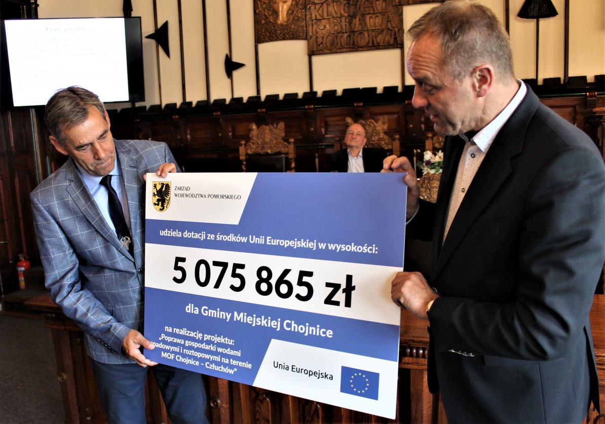 Umowa na dodatkowe 5 mln zł na budowę systemu kanalizacji deszczowej w Chojnicach podpisana