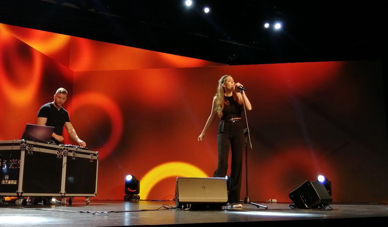 Kolejny koncert online w ChCK. Tym razem wystąpią Julia Kurszewska i BarthuS
