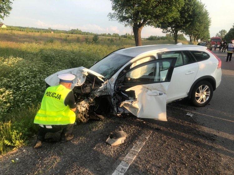 Troje mieszkańców powiatu kościerskiego zginęło we wczorajszym wypadku w Borczu