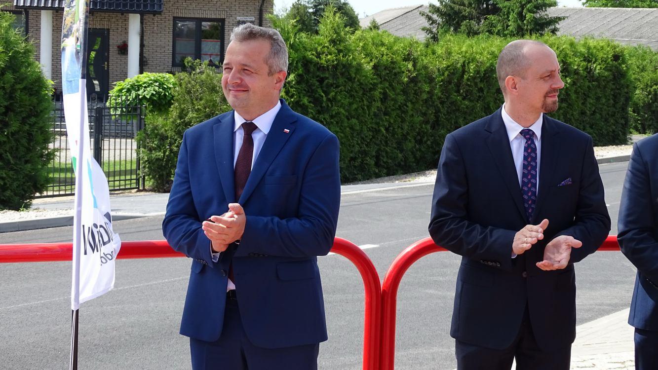 Ulica Wojska Polskiego w Więcborku jest już gotowa. Przyjechał wojewoda FOTO