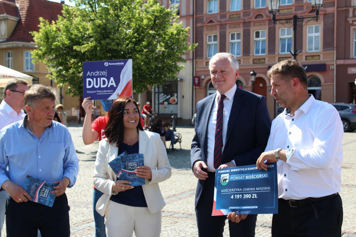 Ostatnie dni kampanii wyborczej Jarosław Gowin w Kościerzynie FOTO