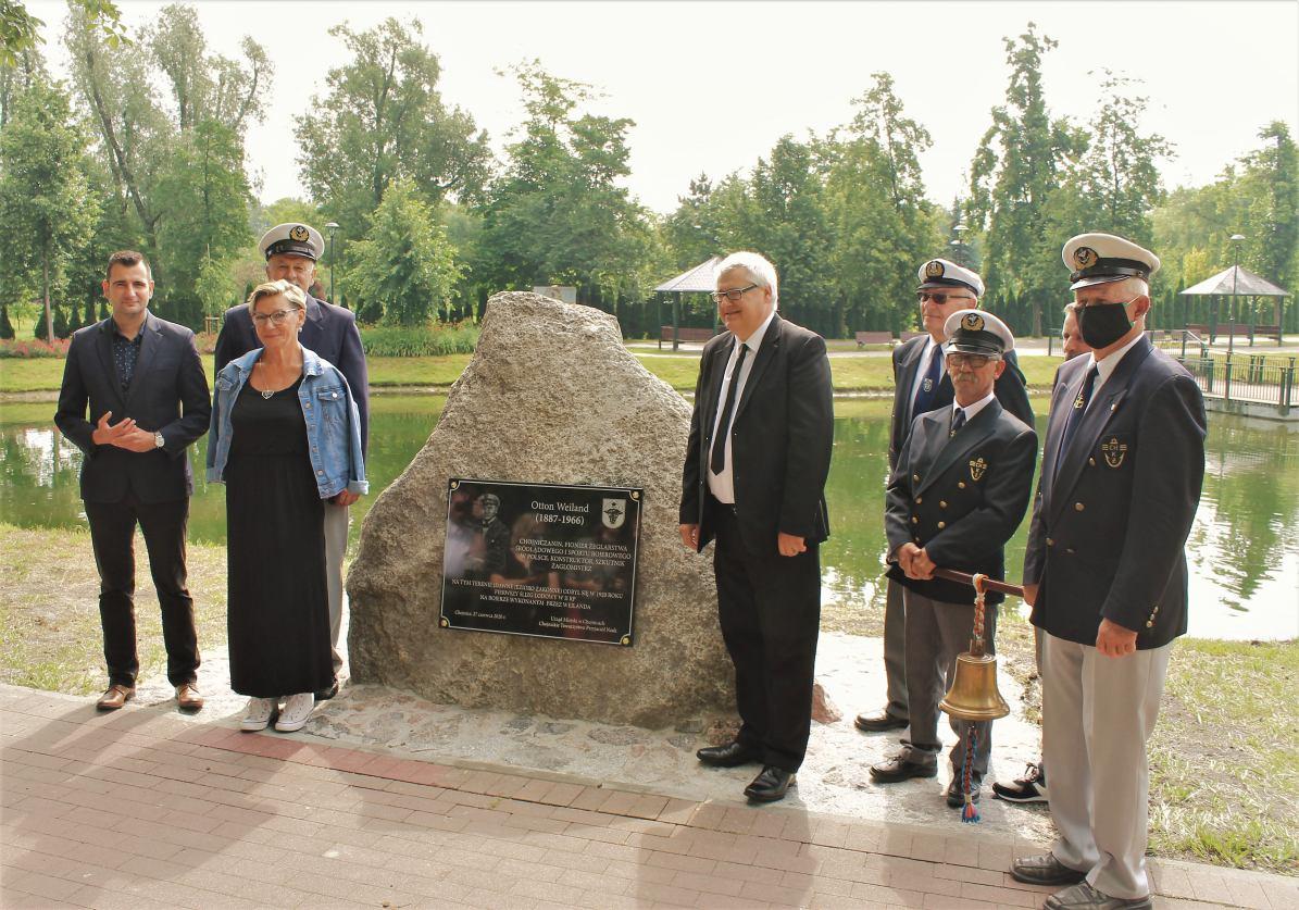 W Chojnicach odsłonięto obelisk i pamiątkową tablicę poświęconą Ottonowi Weilandowi