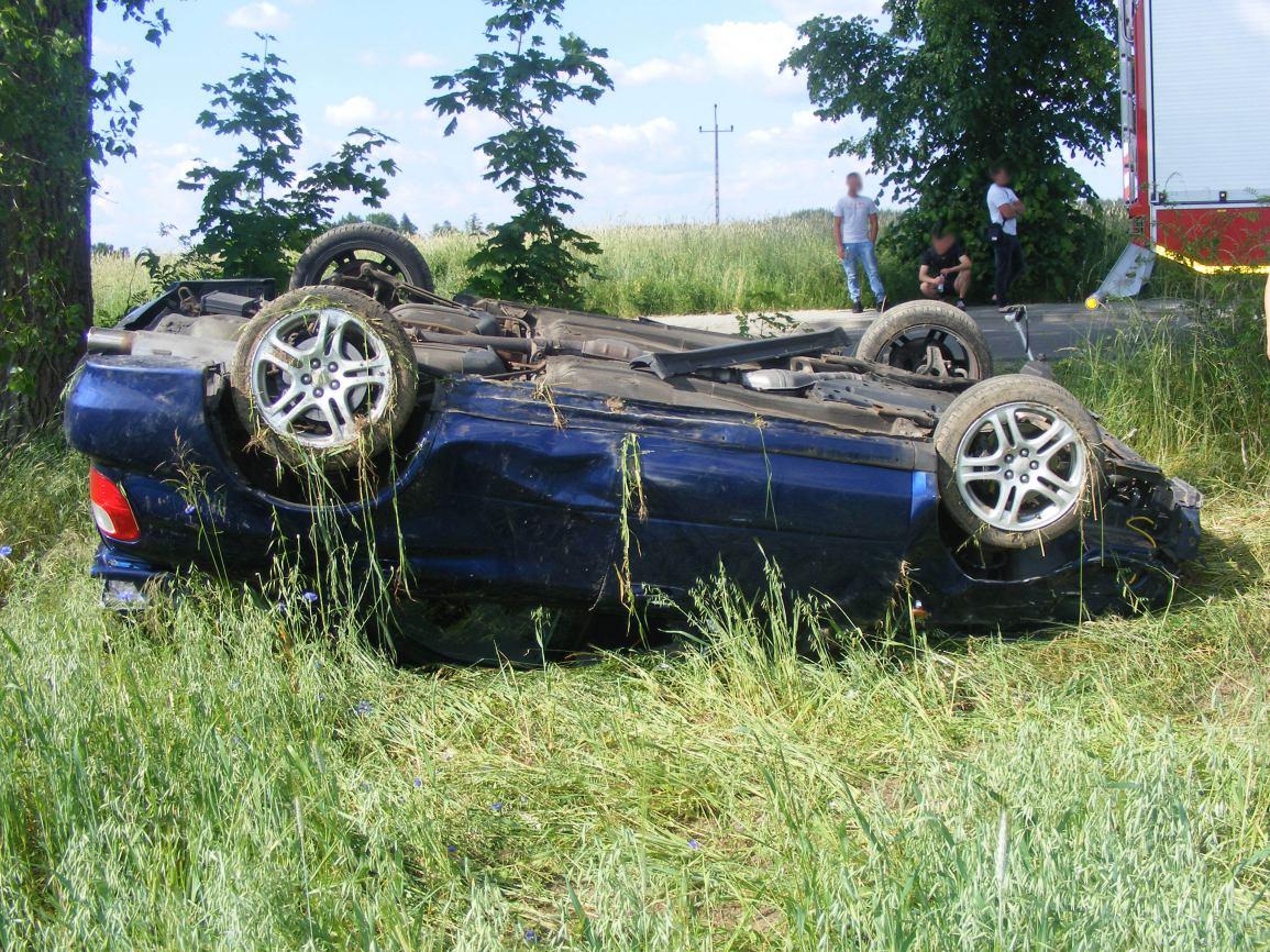 Kolizja, a potem seria wypadków - Niebezpieczny weekend na drogach powiatu kościerskiego FOTO