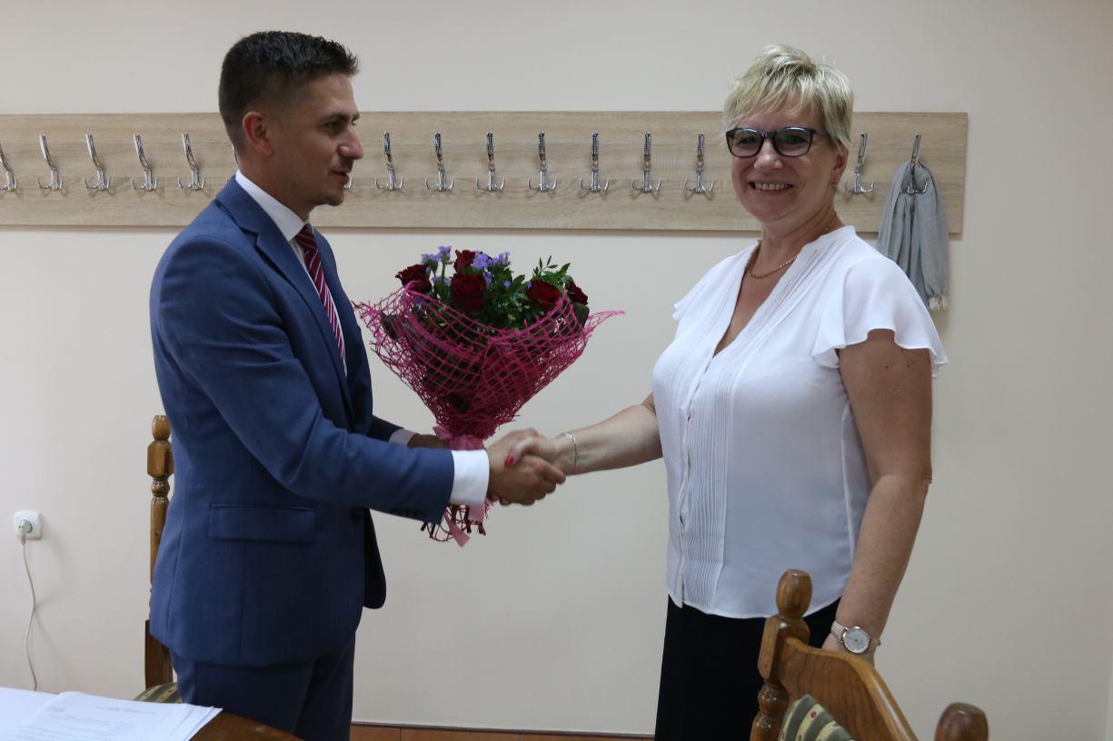 Radni z gminy Debrzno zgodnie głosowali nad wotum zaufania i absolutorium dla burmistrza