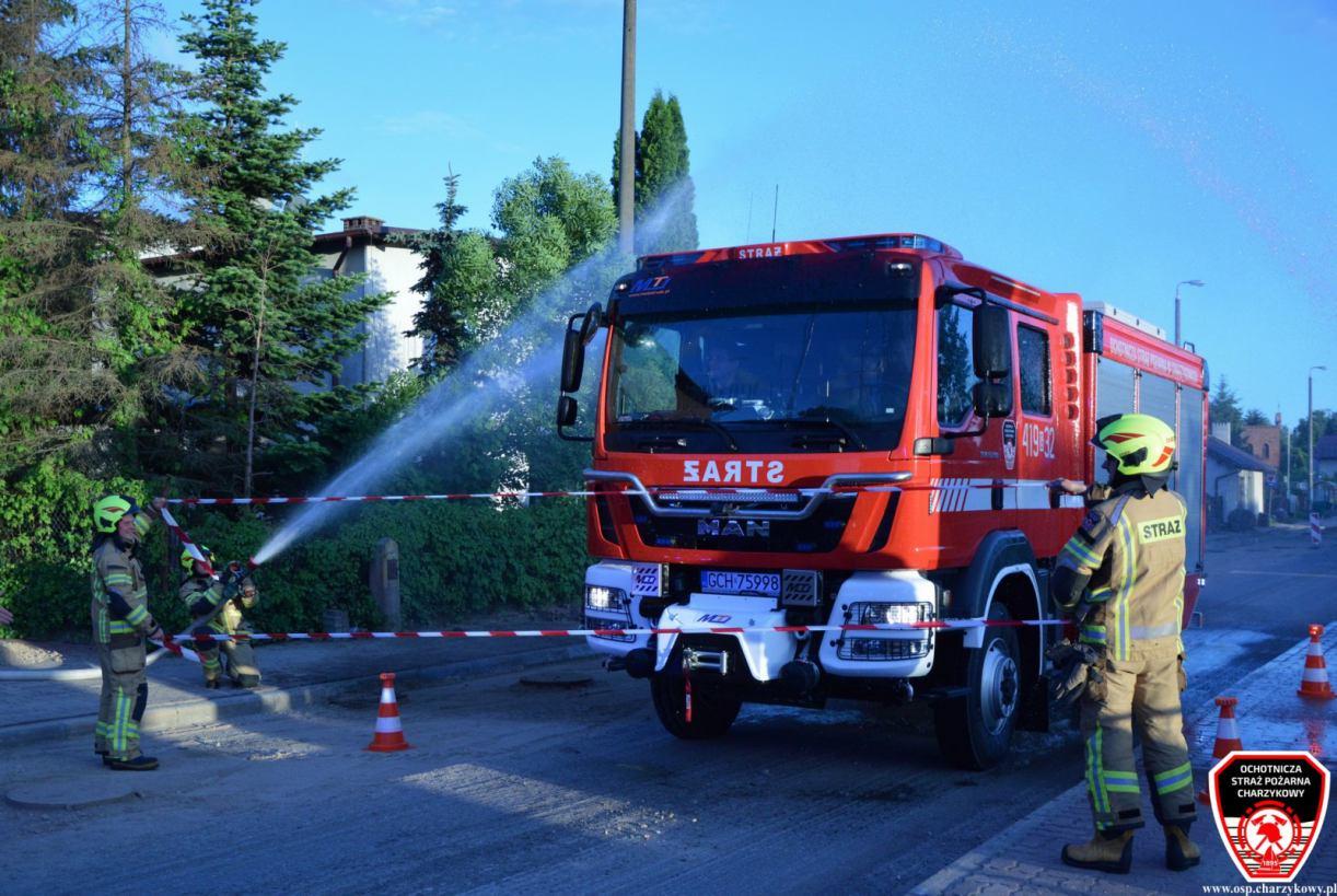 Ochotnicza Straż Pożarna w Charzykowach ma nowoczesny wóz ratowniczo-gaśniczy