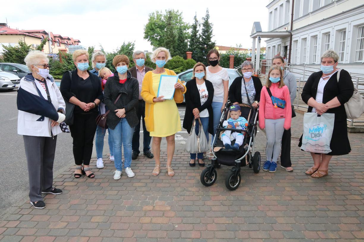 Blisko 4 tysiące mieszkańców powiatu człuchowskiego podpisało petycję w obronie pediatrii w szpitalu w Człuchowie