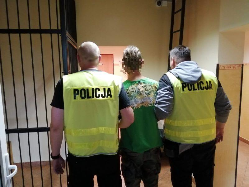 28-letni mieszkaniec Czerska, który uprawiał konopie i posiadał narkotyki, zatrzymany przez policję