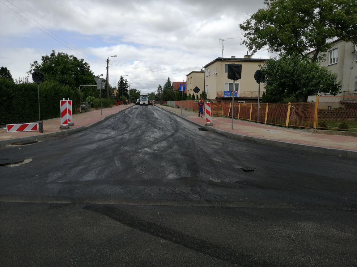 Remont ulic BoWiD i Sportowej w Sępólnie Krajeńskim zostanie ukończony miesiąc przed terminem
