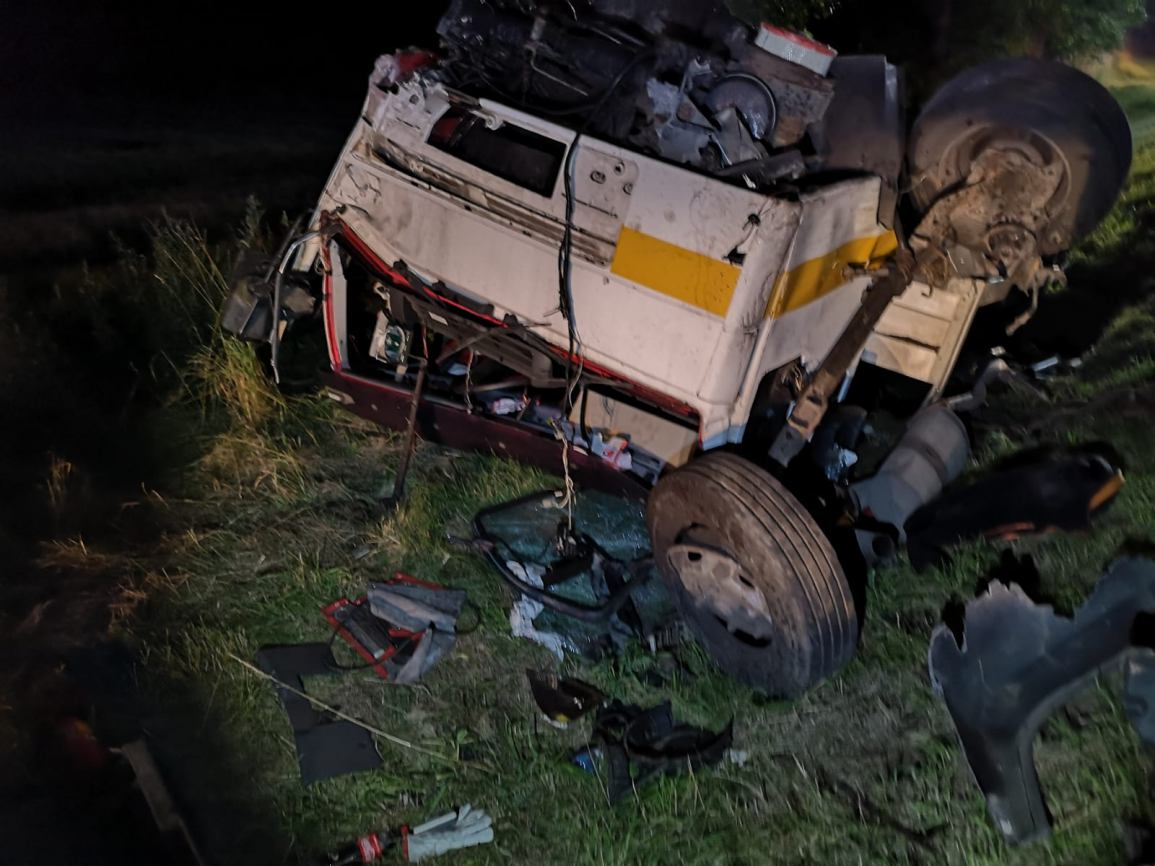 Dwie osoby poszkodowane w nocnym wypadku drogowym na trasie Bytów - Kościerzyna
