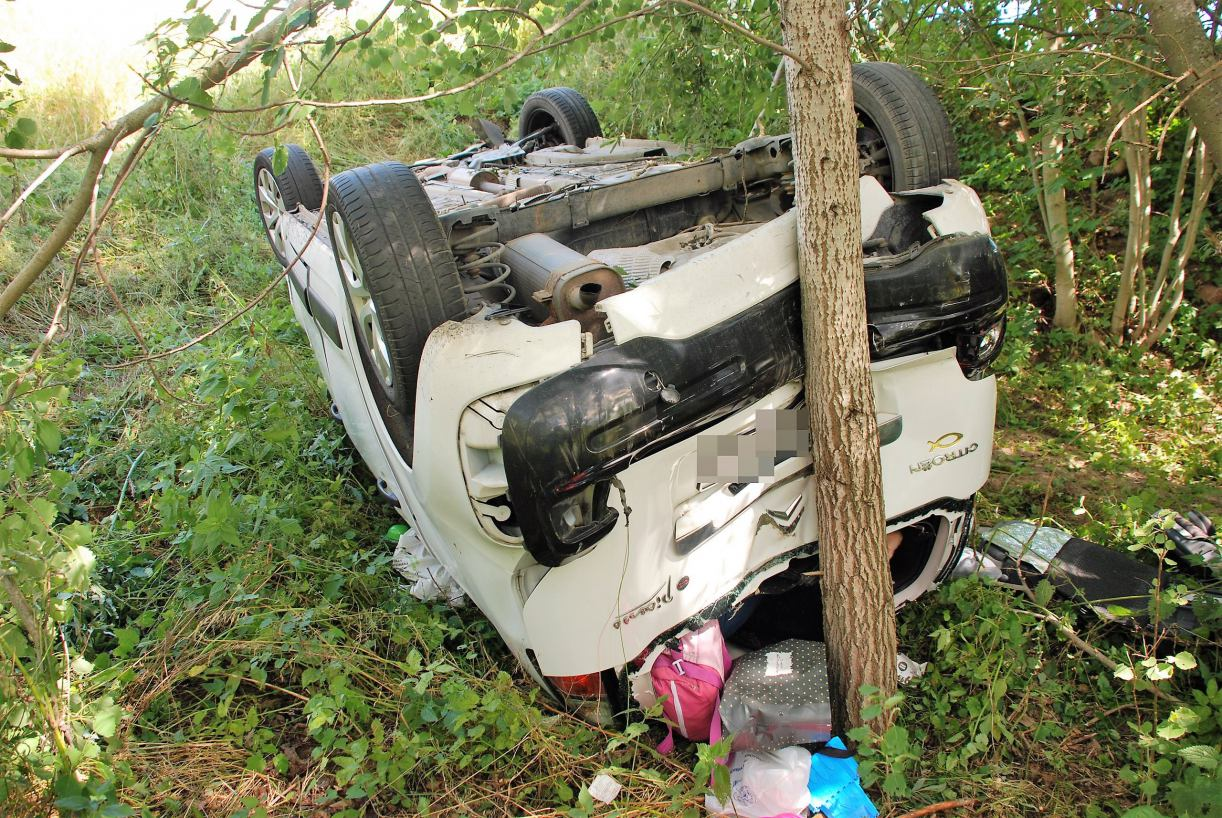 Karambol trzech samochodów w Udorpiu w gminie Bytów