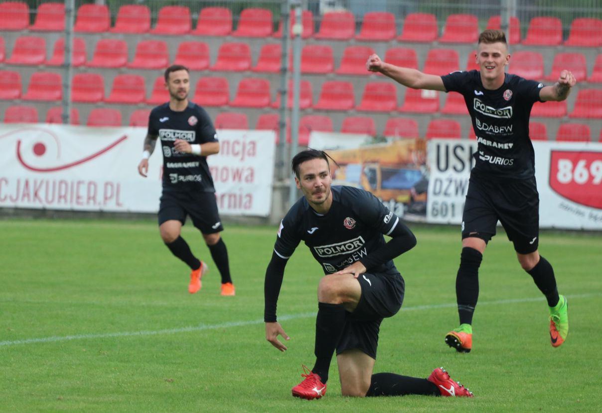 Mecz mega nerwowy. Bytovia Bytów obroniła czwarte miejsce i zagra w barażach o awans do 1. ligi
