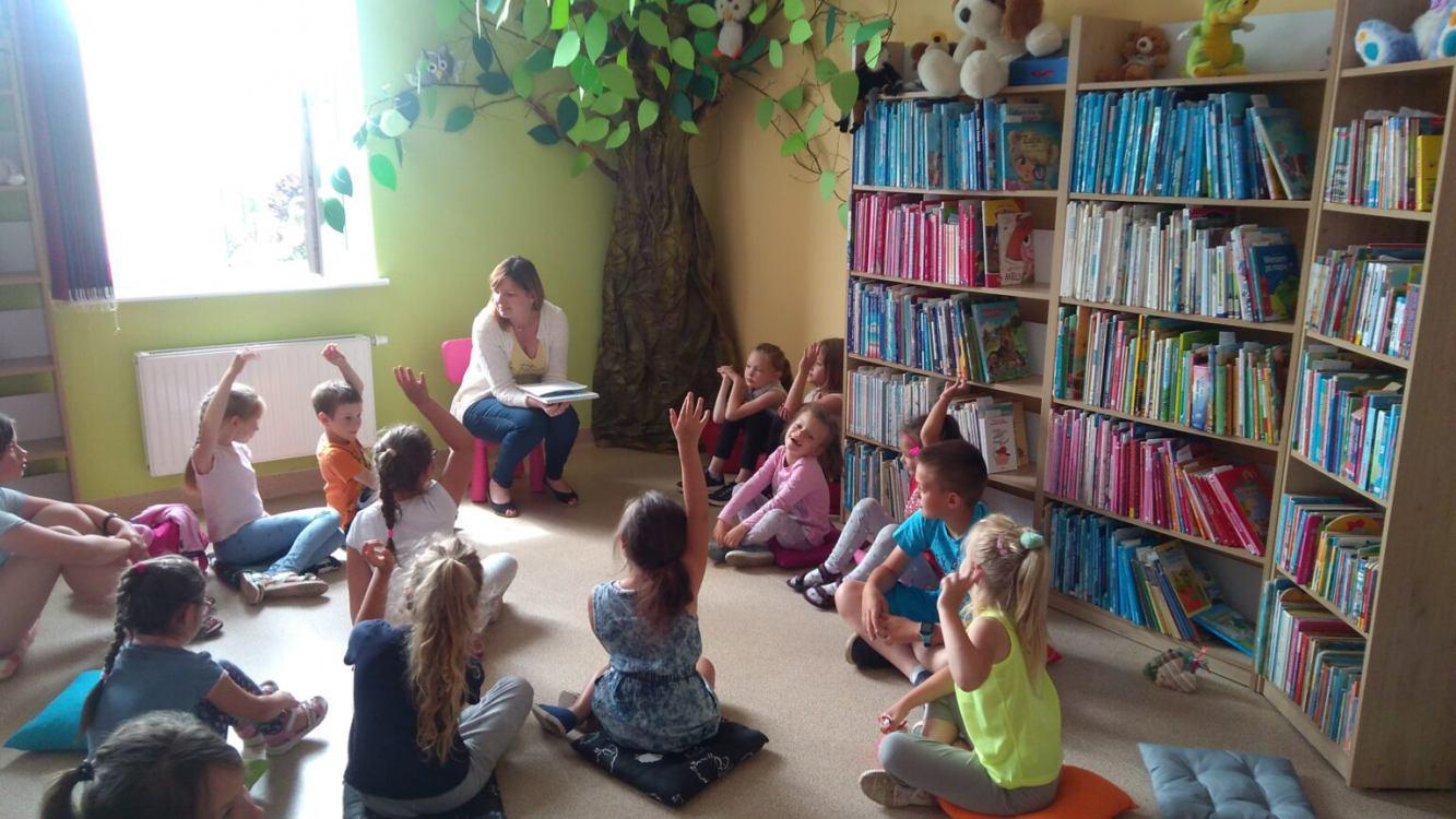 Centrum Kultury Sportu i Turystyki w Debrznie realizuje projekt pn. Opowieści - to się w głowie nie mieści
