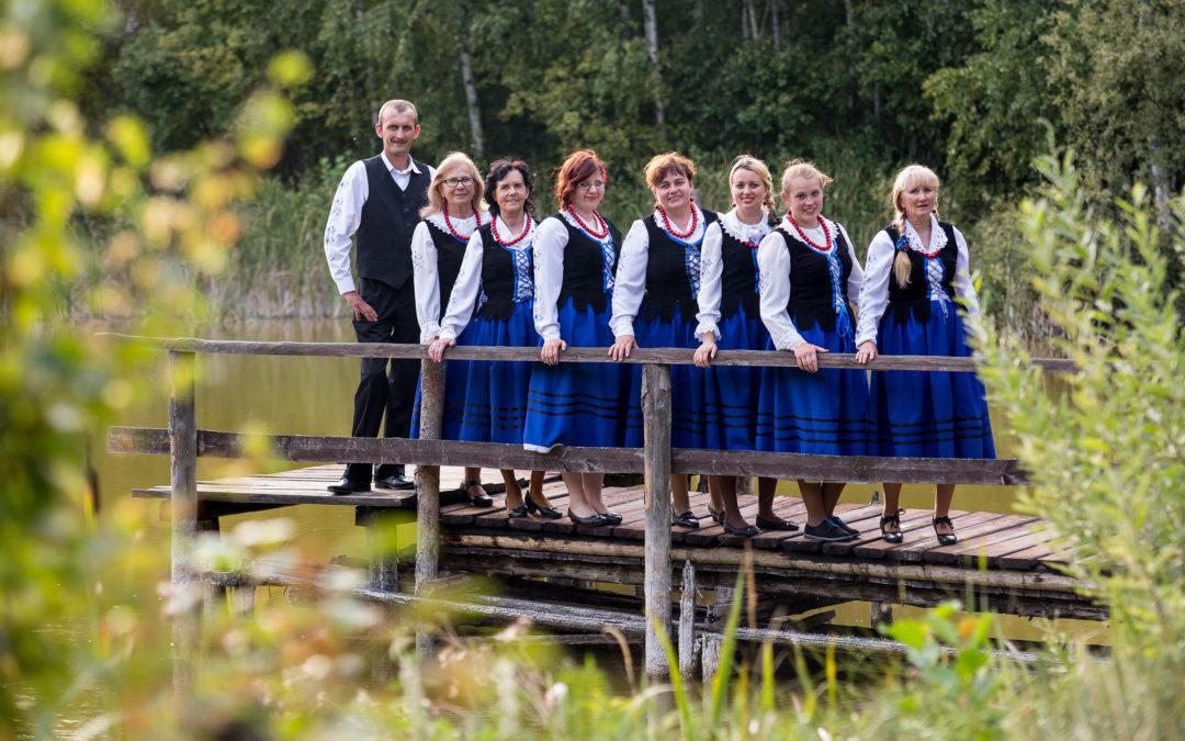 Jeden z najstarszych zespołów ludowych w regionie - Lutowianie -obchodzi dziś 35-lecie istnienia