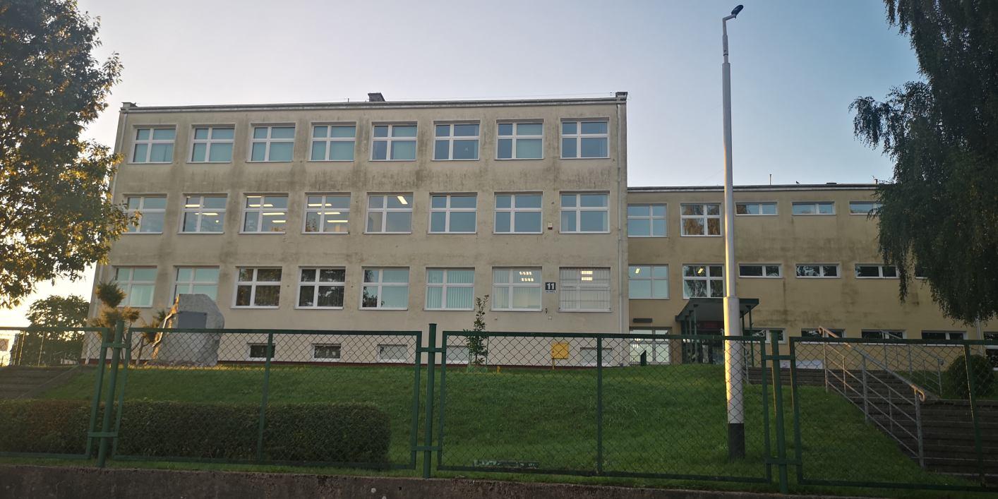 Szkoła nr 5 w Bytowie zamknięta z powodu koronawirusa. Szkoła w Borzytuchomiu przechodzi na nauczanie hybrydowe AKTUALIZACJA