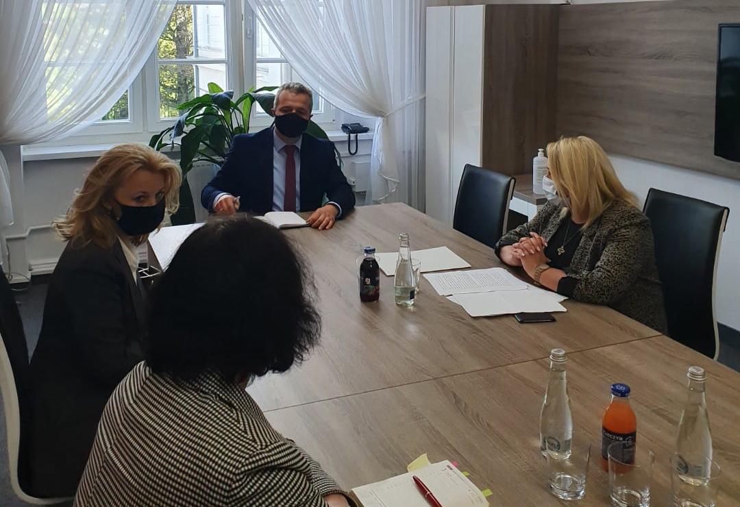 Posłanki PO Iwona Kozłowska i Iwona Hartwich rozpoczęły kontrolę poselską w Kujawsko-Pomorskim Urzędzie Wojewódzkim