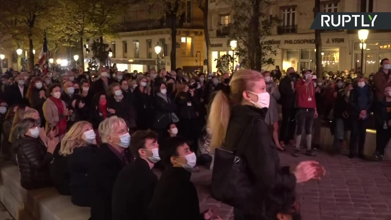 Zamordowany nauczyciel odznaczony najwyższym odznaczeniem państwowym we Francji. Tłumy oddały mu hołd