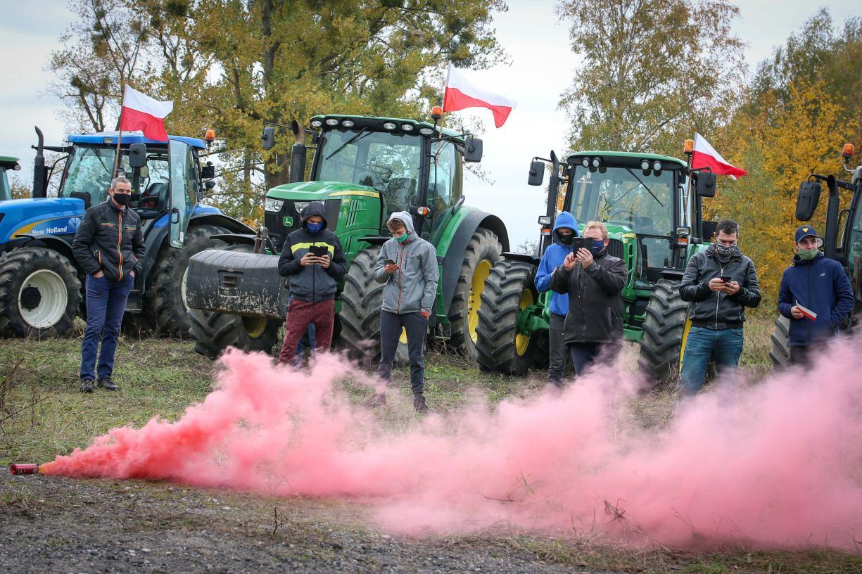 Bez blokowania ulic i o wiele spokojniej. Rolnicy z regionu protestowali w środę w Chojnicach