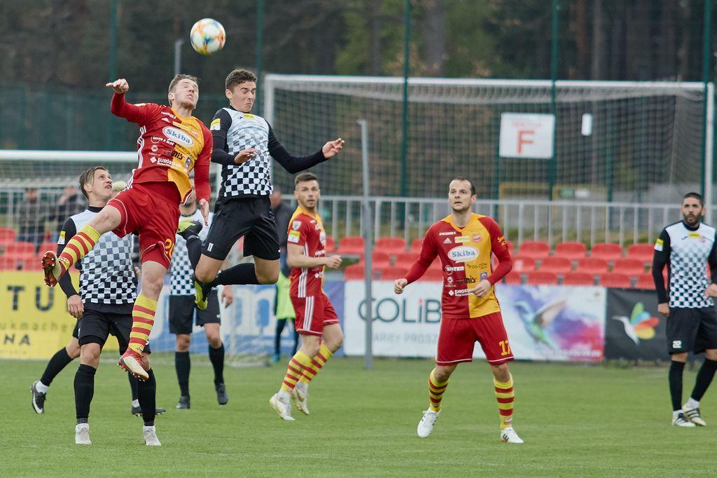 Bytovia Bytów wygrała na własnym boisku 32 z trzecią drużyną rozgrywek drugiej ligi piłki nożnej Chojniczanką Chojnice