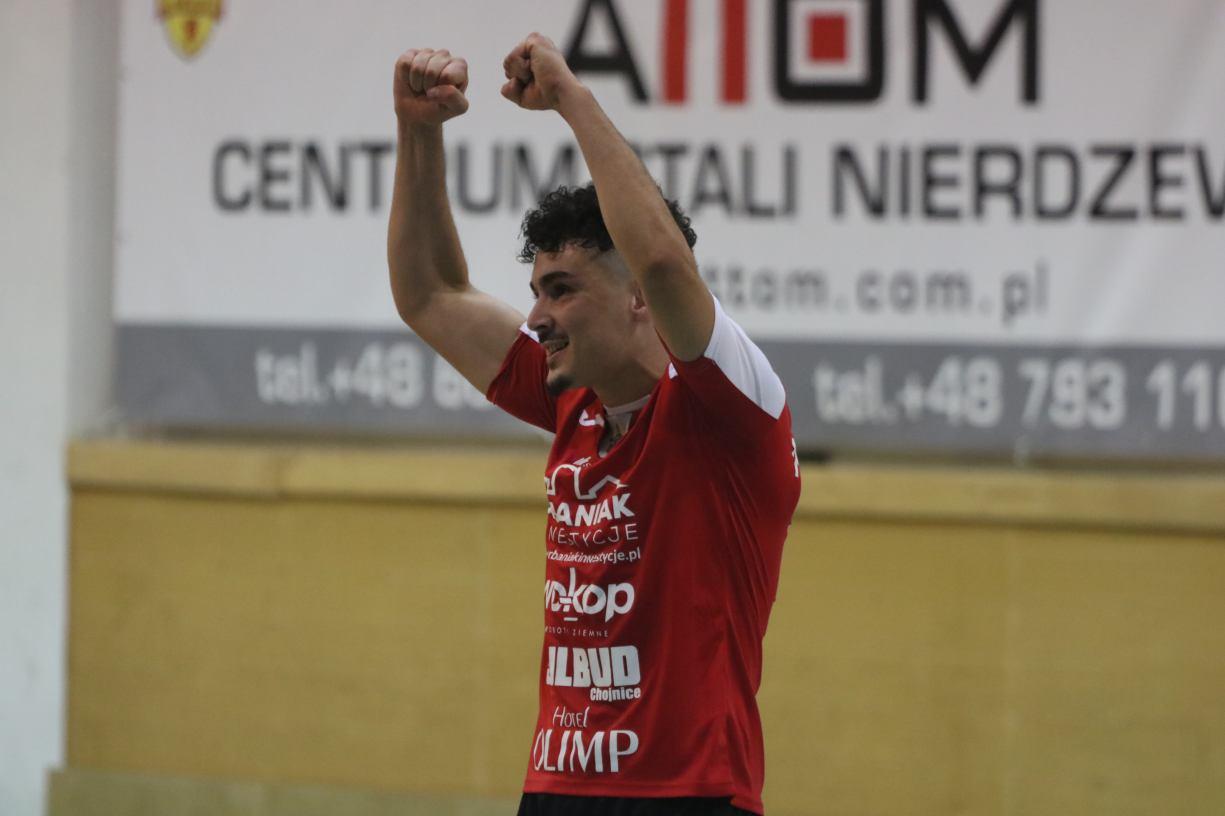 Czwarte zwycięstwo Red Devils Chojnice w tym sezonie. &bdquoCzerwone Diabły&rdquo pokonały 31 AZS Uniwersytet Śląski Katowice