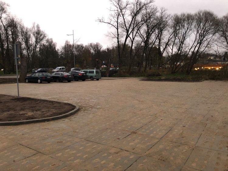 Przy ulicy Dworcowej w Kościerzynie powstał nowy bezpłatny parking na 86 miejsc postojowych