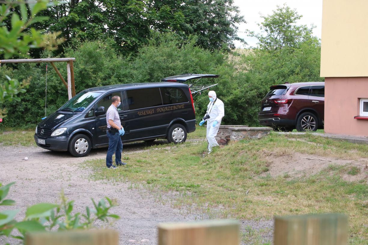 Śledztwo w sprawie rozszerzonego samobójstwa w Krzemieniewie w gminie Czarne umorzone ze względu na śmierć sprawcy