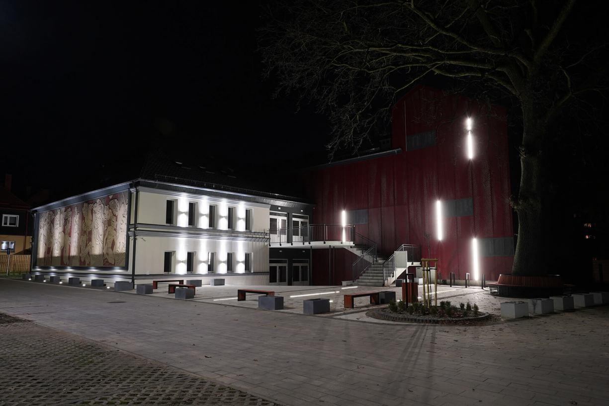 Budynek Miejskiego Domu Kultury w Człuchowie już po modernizacji FOTO