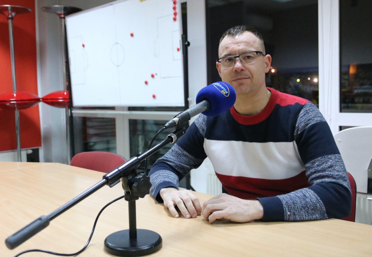 Jarosław Klauzo ocenia rundę w wykonaniu Chojniczanki. Nikodem Jeżewski przerywa milczenie po przegranej walce o pas