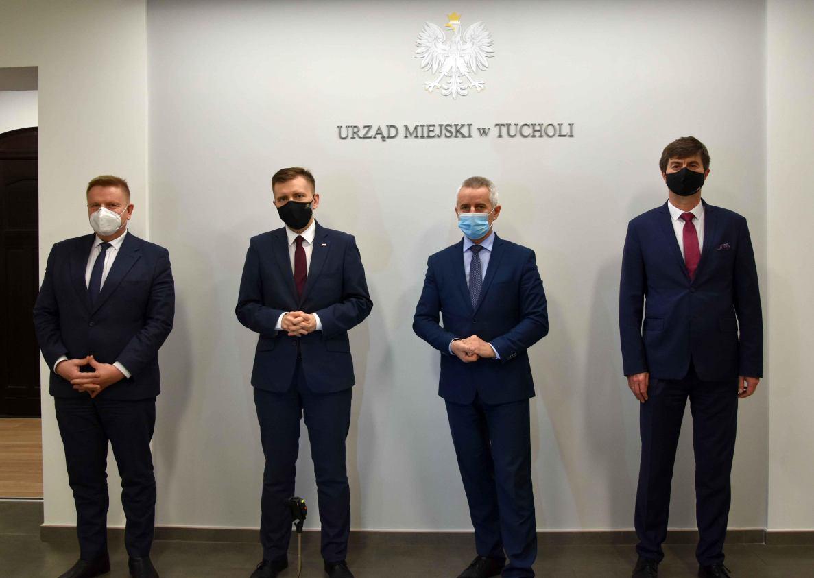 Minister Schreiber przekonywał w Tucholi, że rządowa pomoc nie jest uzależniona od związków z PiS