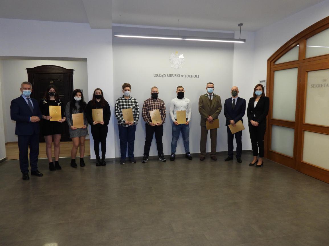 Młodzi sportowcy z Tucholi docenieni przez ratusz. Odebrali nagrody burmistrza