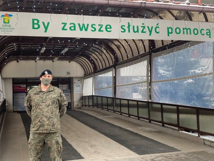 Po żołnierzach WOT-u Szpital Specjalistyczny w Kościerzynie wspiera także Marynarka Wojenna