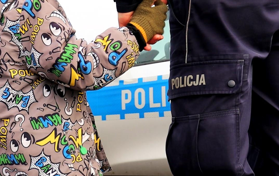 Czteroletni chłopiec niezauważony opuścił teren jednego z przedszkoli w Bytowie i błąkał się ulicami miasta