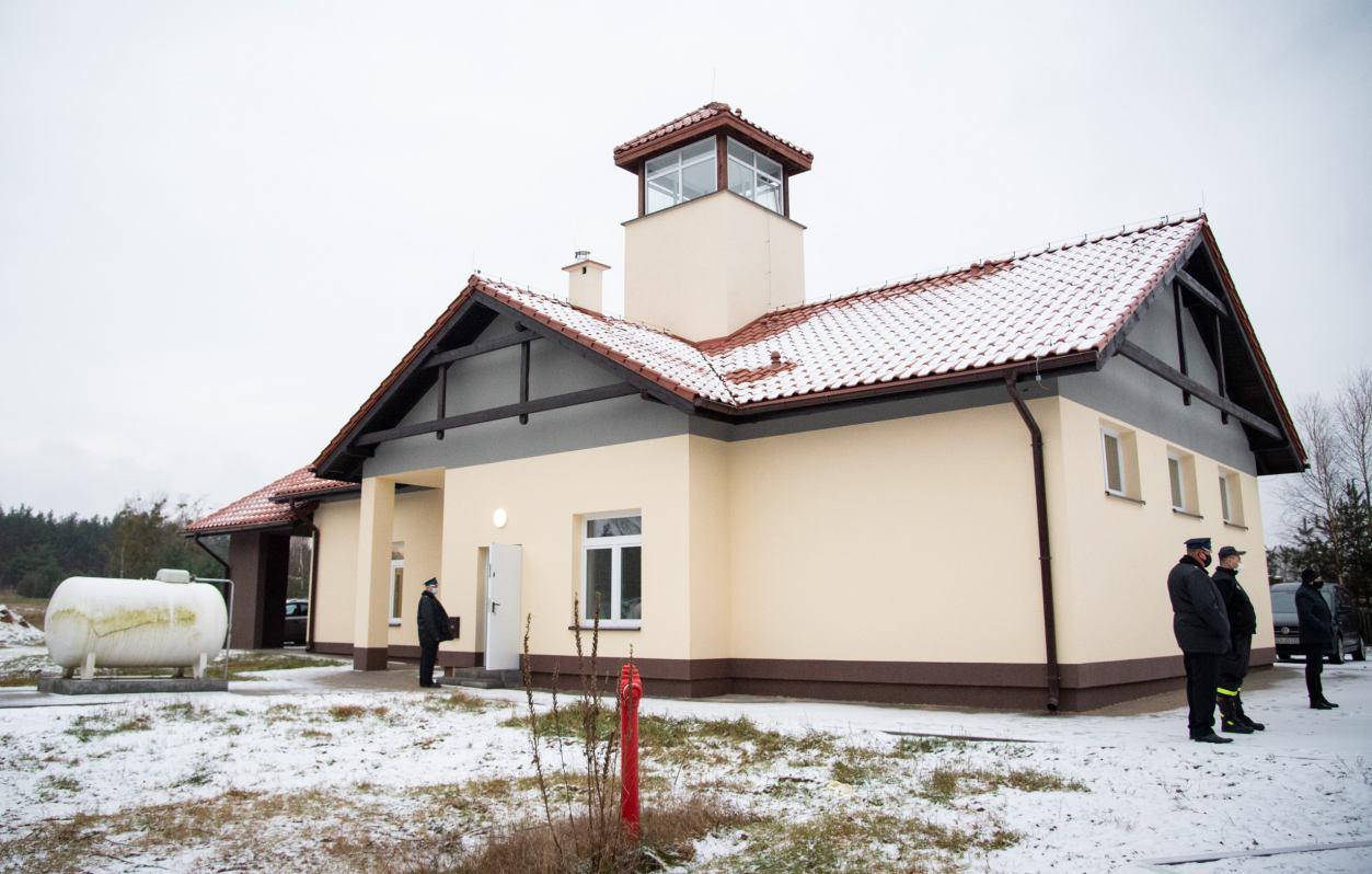 Nowa remiza OSP Krzyż w gminie Czersk gotowa, ale strażacy ciągle czekają na przeprowadzkę