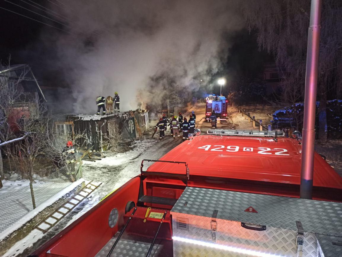 Nocny pożar budynku mieszkalnego w Nowej Wsi w gminie Przechlewo. Dom spłonął doszczętnie FOTO