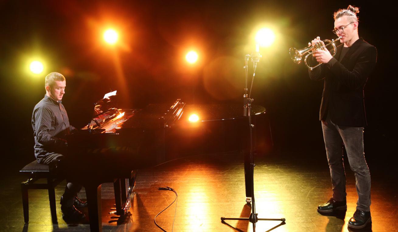 Chojnickie Centrum Kultury składa muzyczne życzenia z okazji Dnia Babci i Dziadka WIDEO
