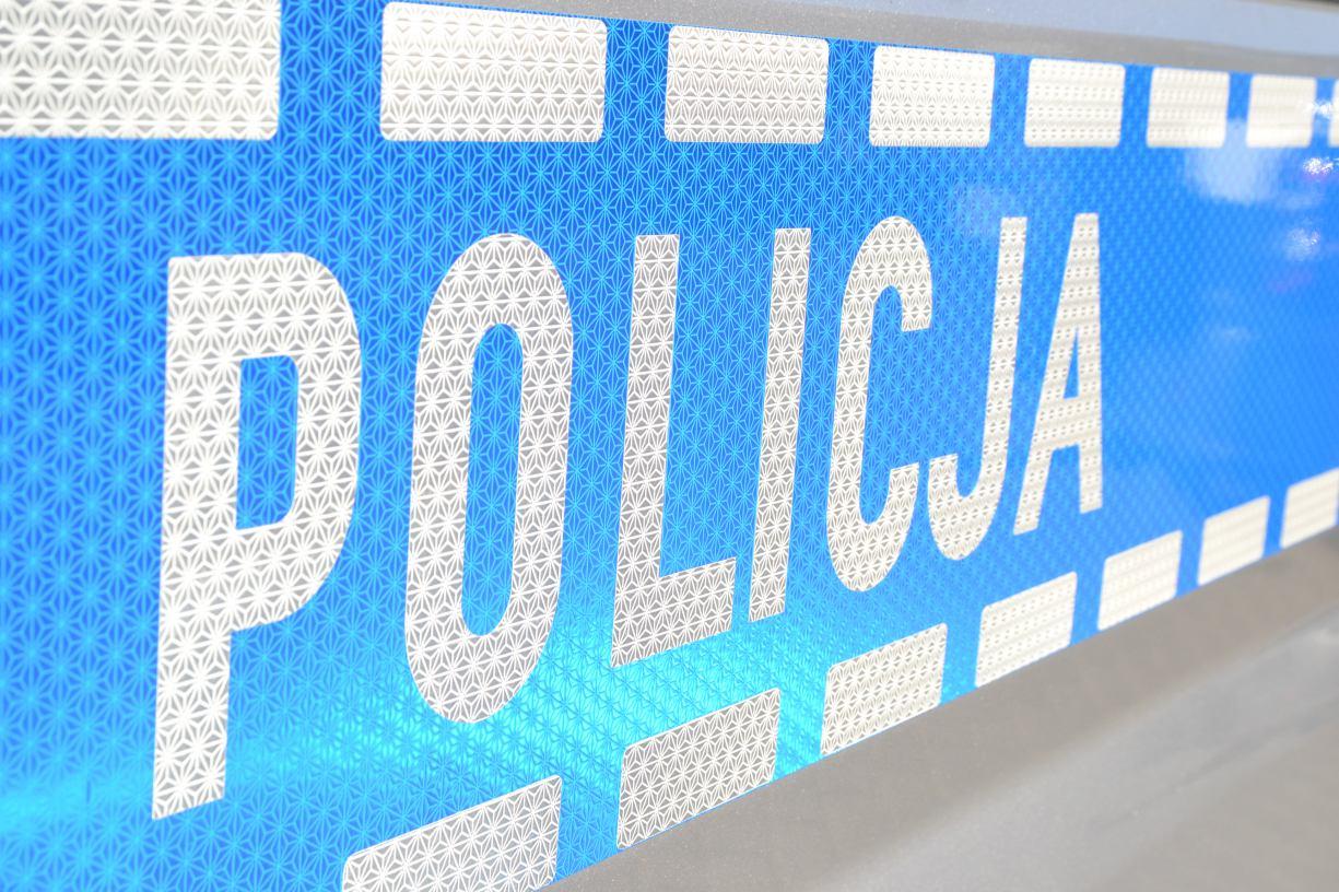 Kościerscy policjanci zatrzymali 45-latka, który złamał zakaz zbliżania się do żony i próbował zabrać jej samochód