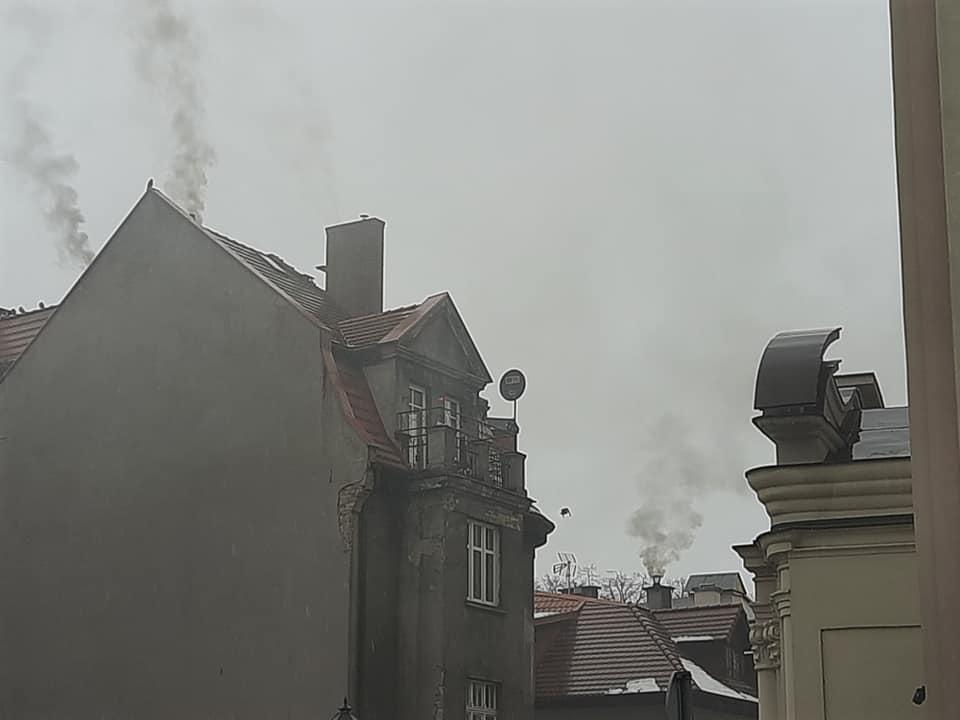 Chojnice do kogo zgłaszać problem smogu? Okazuje się, że w niedziele strażnicy miejscy nie przyjadą do zgłoszenia