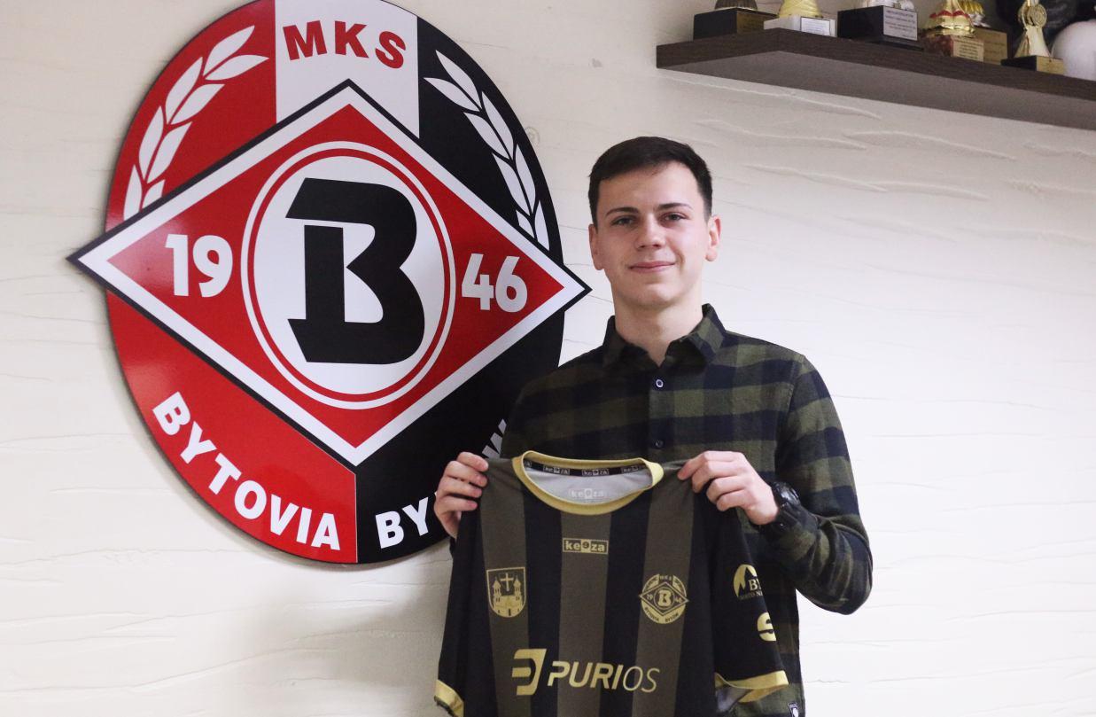 Jakub Nowakowski piłkarzem Bytovii Bytów. Został wypożyczony na pół roku
