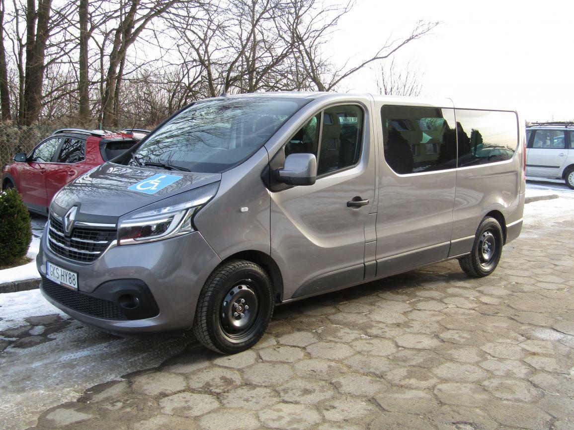 Powiatowe Centrum Pomocy Rodzinie w Kościerzynie ma do dyspozycji nowy pojazd