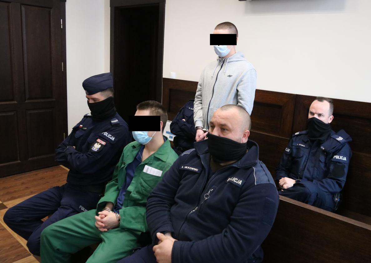 We wrześniu napadli na taksówkarza z Chojnic, teraz usłyszeli wyrok. Sprawcy rozboju pod Człuchowem trafią na kilka lat do więzienia