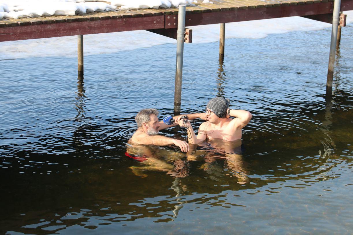 Morsował, zanim to było modne. Bogdan Barton z Przechlewa opowiada o zaletach kąpieli w lodowatej wodzie ROZMOWA