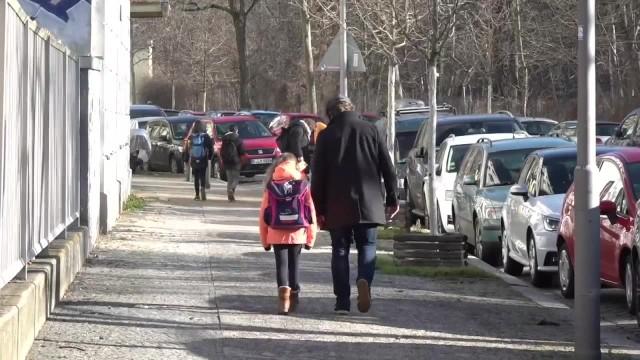 Część szkół podstawowych w Berlinie ponownie otwarta. Pomimo obowiązującego lockdownu