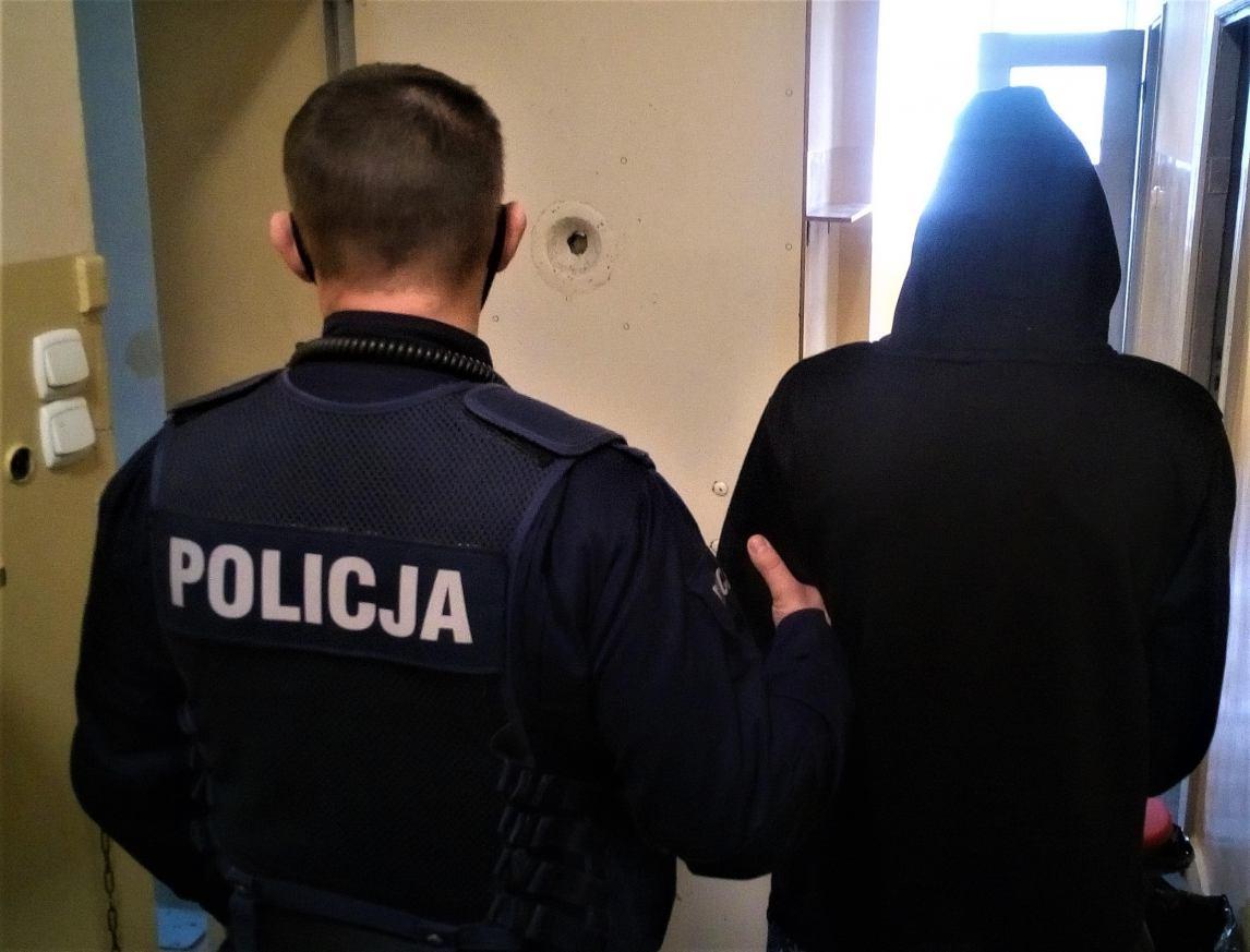 Narkotyki w nocnej szafce. Kościerska policja zatrzymała 24-latkę